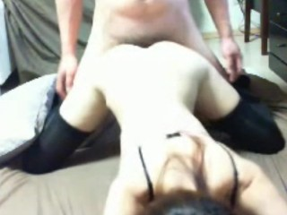 Wearng black t for webcam shootng fngerng pussy hand pussy aval