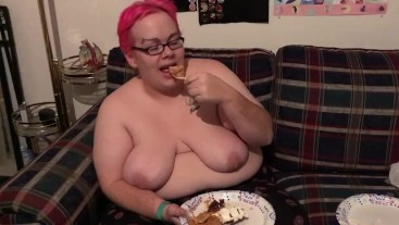 BBW eating three kinds of pie — happy thanksgiving