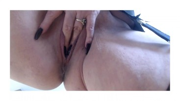 Annabel's up close finger fuck clit play