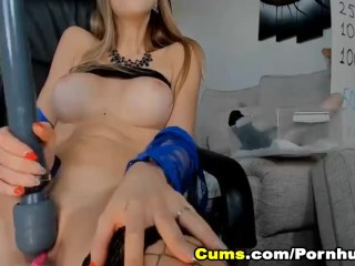 Nau Pretty Babe Fucks herself by Fngerng her Pussy