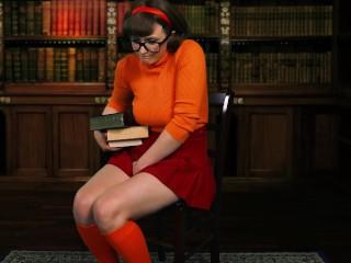 Jnkes Velma needs to TNKES pee vdeo Veronica Chaos