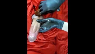 Accidental Cum shot during Waxing Sugaring service