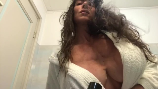 Bodybuilders hairy - Dryer for muscles and puss hairy pussy