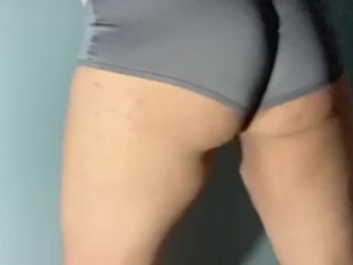 Thick pawg sissy ass twerking