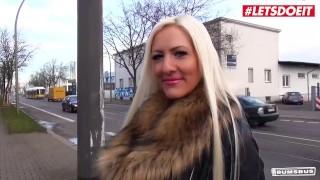 LETSDOEIT - Sex BBC na tylnym siedzeniu z niemiecką dziwką Lena Lay