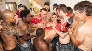 Jules Jordan – Swarmed By 13 Guys Angela White's Biggest Blowbang Ever