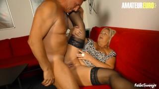 Reife Swinger – Mature German BBW Hard SEX with Neighbor – AmaterEuro