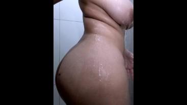 Vela Shorts: Sensual Shower