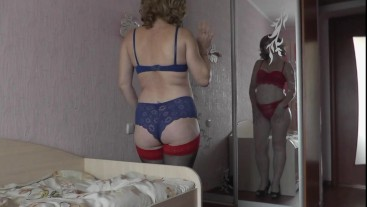Naked Milf masturbates Pussy together with Mirror Reflection Real Orgasm