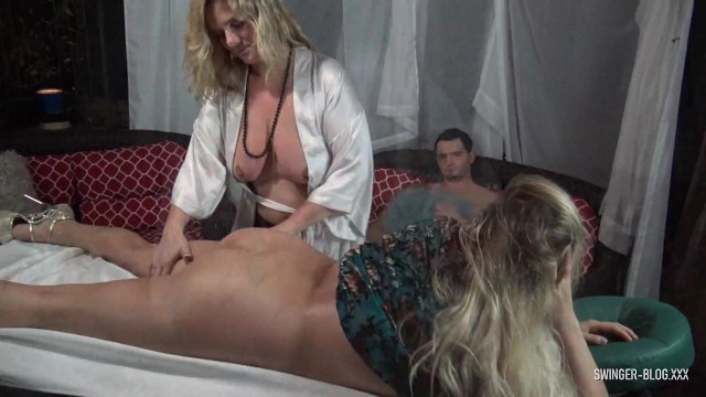 Amateur housewife blog - Hot amateur babe getting her ass massaged and pussy licked