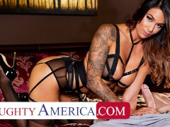 Naughty The Us Alexis Zara Penetrates In Lingerie