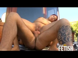 Pregnant redhead babe gets fucked outdoor by muscular dude