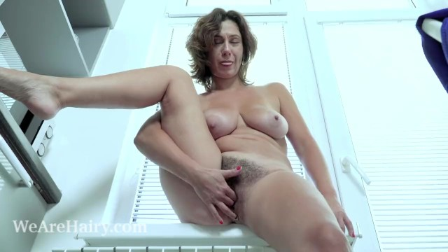 Mature haury - Gadget has orgasms as she orgasms in her kitchen