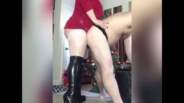 Mistress Clause punishes with pegging and spanks for Christmas