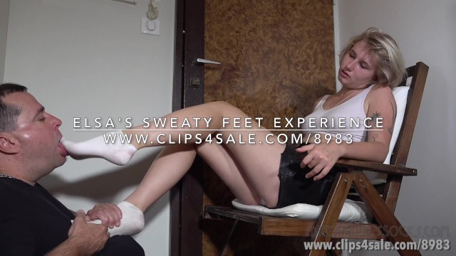 Natural remedy stop vulva odors - Elsas sweaty feet experience - dreamgirls in socks