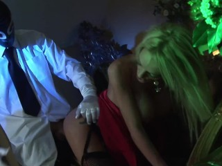 Voyeurng Masked Guy fucked the Hot Blonde MLF Housewfe hard wth facal