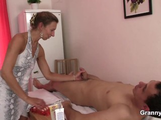 Hary pussy masseuse granny games