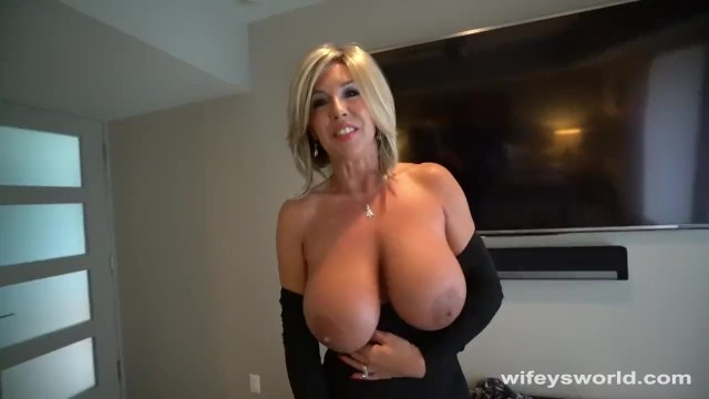Mature women shopping Fucking my slutty neighbor while my wife is christmas shopping