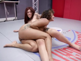 Daisy Ducati lesbian wrestling Ashlee Juliet finger banging her pussy hard