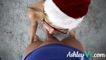 Christmassy Blowjob - Ashley Ve