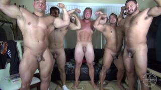 섹스 Xxx - 벌거 벗은 파티 @ Latino Muscle Bear House-아마추어 재미 / 아론 Bruiser