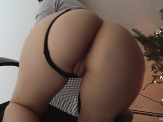 SEXY BLONDE PAWG GVES BLACK DCK A BLOWJOBGETS FUCKED N FRONT OF TREE