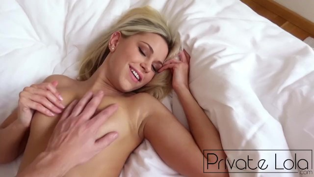 Porn tube show yourself - Lola myluv - do it yourself in bed