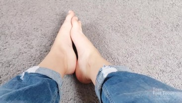 MORNING FOOT SHOWING FROM YOUNG GODDESS