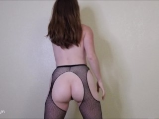 Elle Rowyn Anal and Pee JO