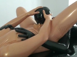 Par n Transparent And Black Latex Catsut Have Sex And Cum n Hgh Heels
