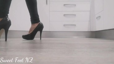 Heel Tapping and New Zealand Accent