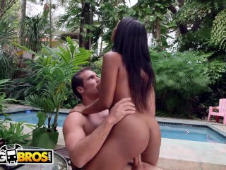 BANGBROS – Arianna Knight Might Just Have The Best Big Ass In The Game