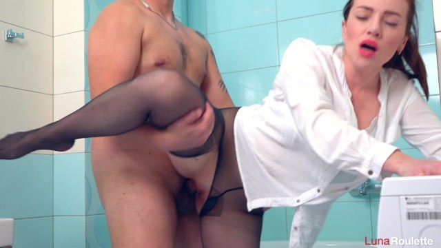 Goodbye to pantyhose - Wife broke pantyhose and had sex in the bathroom / luna roulette