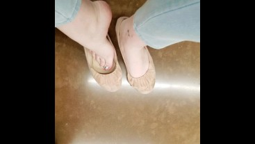 *Story* Lesbian Foot Fetish Expierience With Co-Worker - Sarah