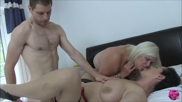 Mature women in lacey bullet bras - Laceystarr - eva jayne and lacey starr are horny women at work