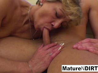 Confused blonde granny gets some sexual aance