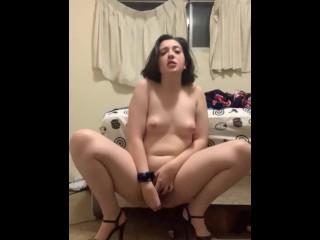 Grl n heels fucks herself wth a glass toy