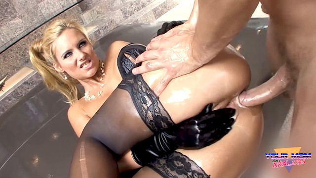 MILF PHOENIX MARIE FUCKED DEEP IN THE ASS BY MARK ASHLEY