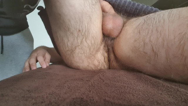 Gay cerita sensual British hairy twink receives first erotic massage with happy ending nude
