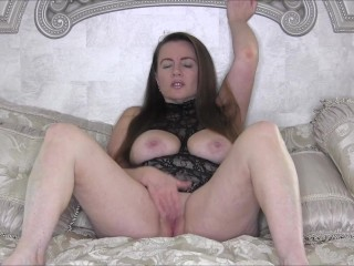 Quickie Masturbation Video in Open Boob LIngerie