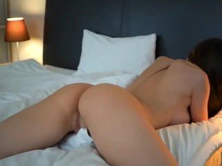 HARD FUCK HUMPING PILLOWS – YOUNG BIG BUTT