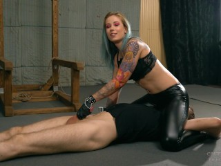 Handjob while on his head Mistress Anette Minnie manga
