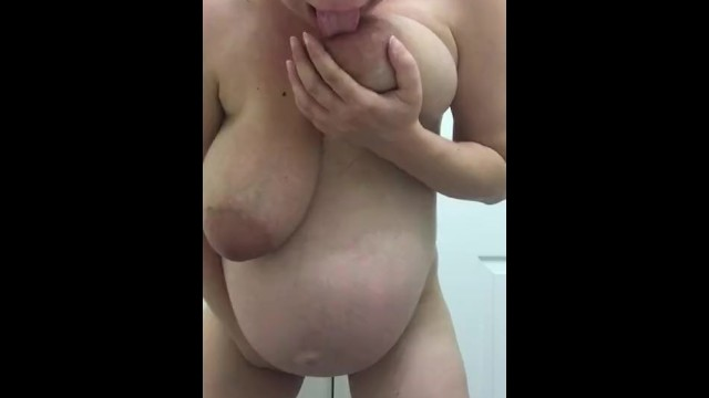 Preggo piss pics - Preggo getting off to your dick pic