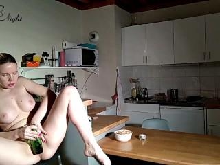 Cute Teen Jerk Off Wet Pussy Bottle – Sensual Solo