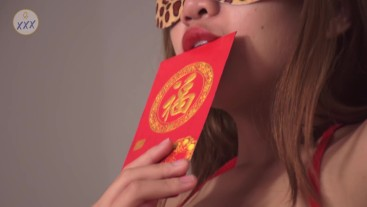 [BTS] Photo shooting girls couple in the Chinese New Year Theme