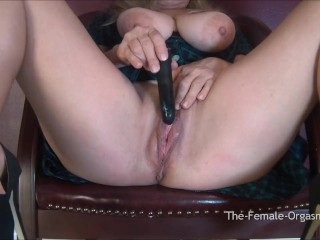 Mature Blonde MILF with Saggy Tits and Fleshy Wet Cunt Bates to Orgasm