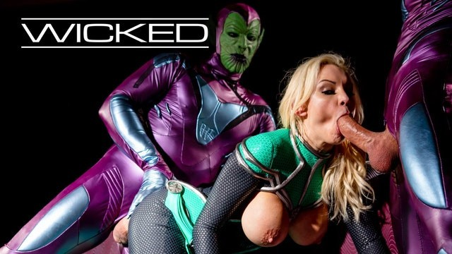 Big brother nude 11 winner Wicked - captain marvel fucked by 2 skrulls - avn award winner