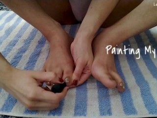 Painting my Toes