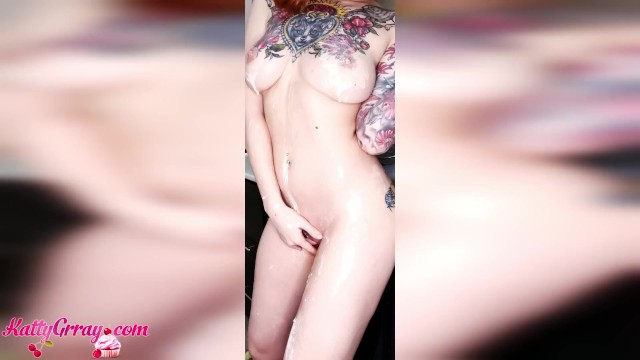 Girle naked - Big booty girl fry pancakes naked - sensual solo