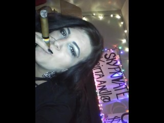 Smoking fetish Queen Keirra in live show pov